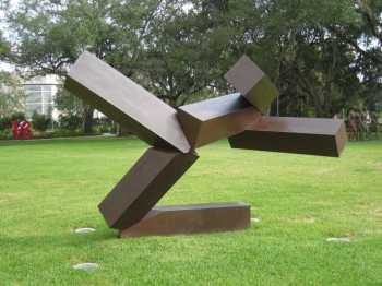 Joel Shapiro Sculpture15